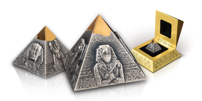 155,5 gram zware zilver met goud vergulde Piramide munt